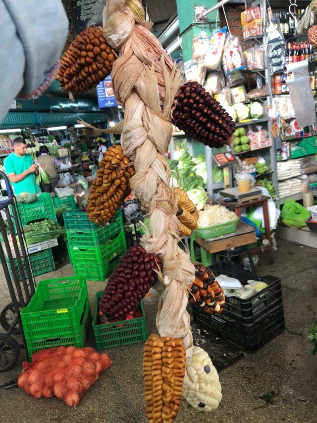 Porumb in piata Mercado Central, Lima